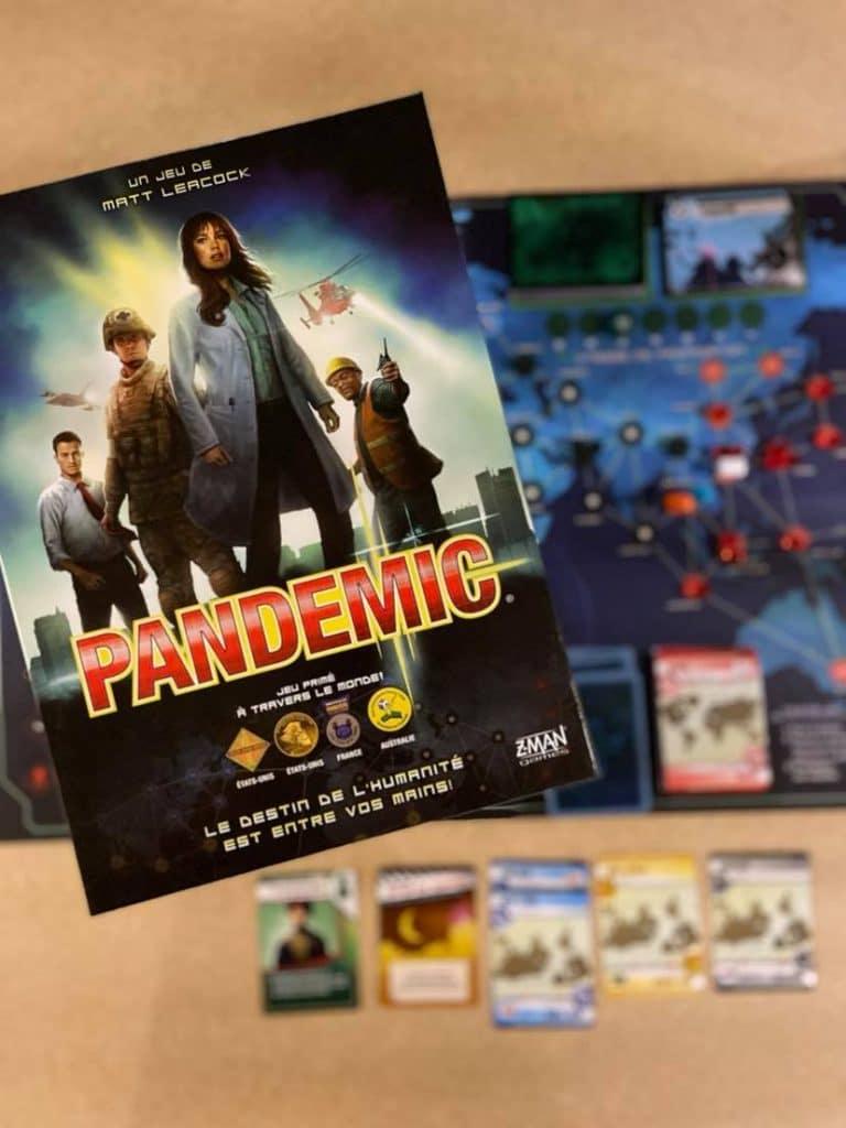Pandemic est un jeu de Matt Leacock, publié la première fois en 2013 par Z-Man Games.
